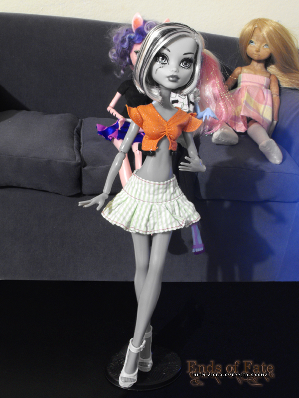 Gift From Ghoulia's Adventures - 08